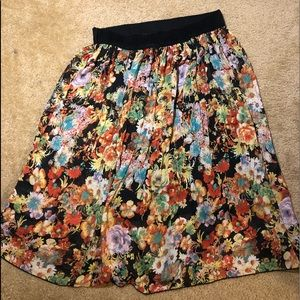 Pretty floral print skirt with lining size large